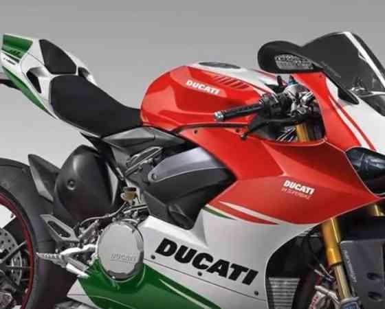 2018 Ducati Panigale V4 Superbike